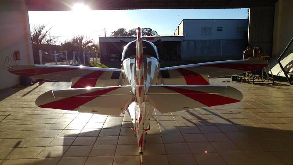 Aeronave CAP10B aguardando para mais um evento.
