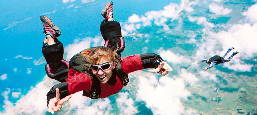 Onde fazer a certificação de aeronaves para lançamento de paraquedistas?