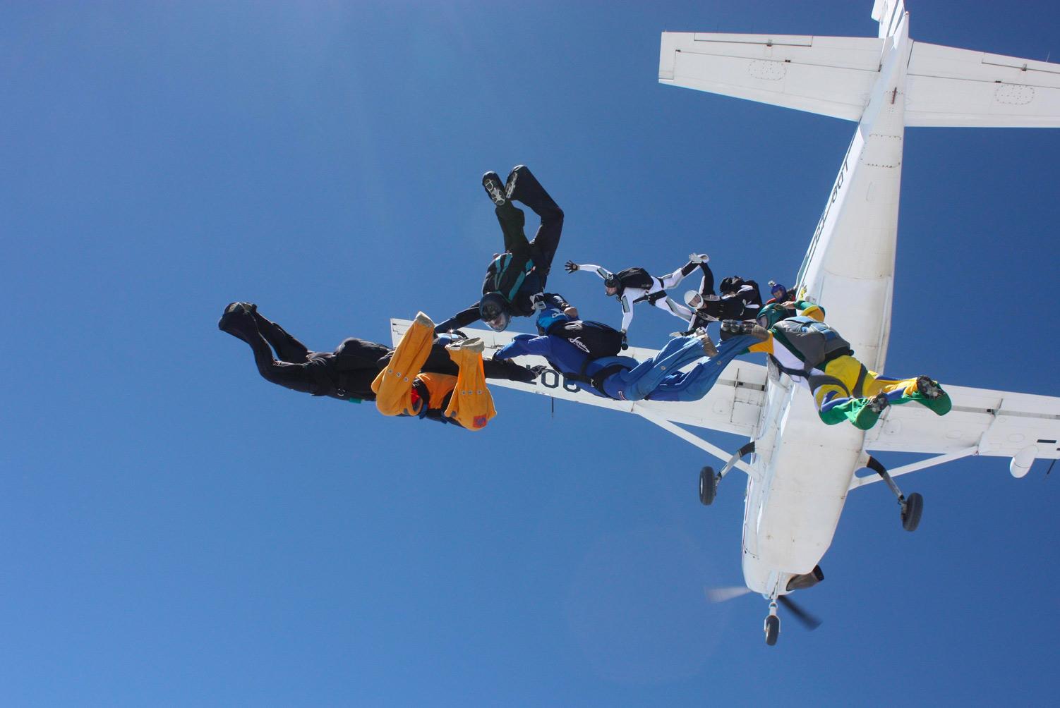 Aprovação de aeronaves para lançamento de paraquedistas